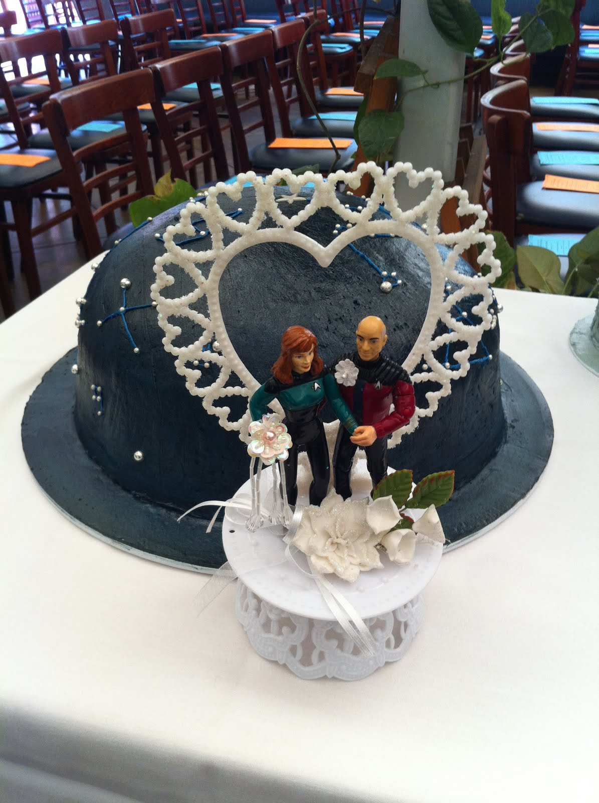 star trek themed wedding cake myfavoriteweddingstories laurie and luke s trek 20499